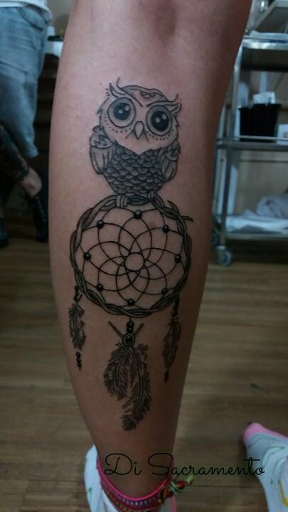 Tatuagem de Coruja na Perna