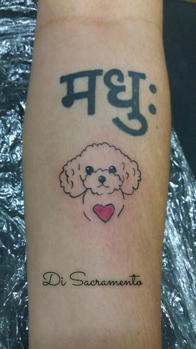 Tatuagem de poodle no Braço