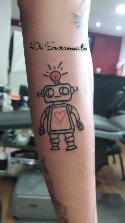 Tatuagem Robô no Braço