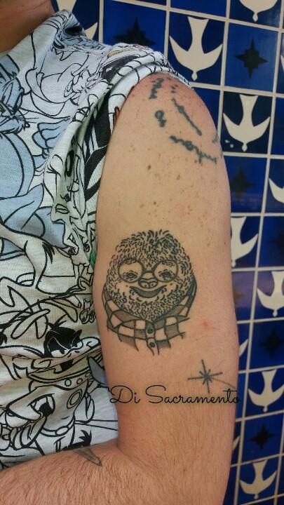 Tatuagem de Preguiça no Braço