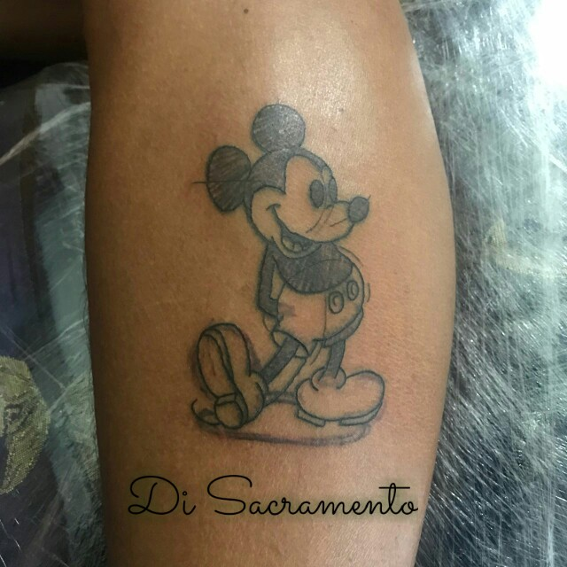 Tatuagem do Mikey na Perna